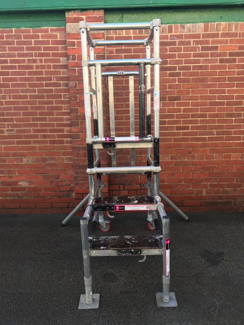 Used Bs8620 Aluminium Podium Steps Complete With